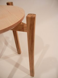 curved table leg
